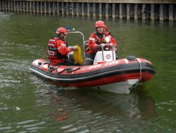 Firefighters highlight the importance of alarms during Boat Fire Safety Week