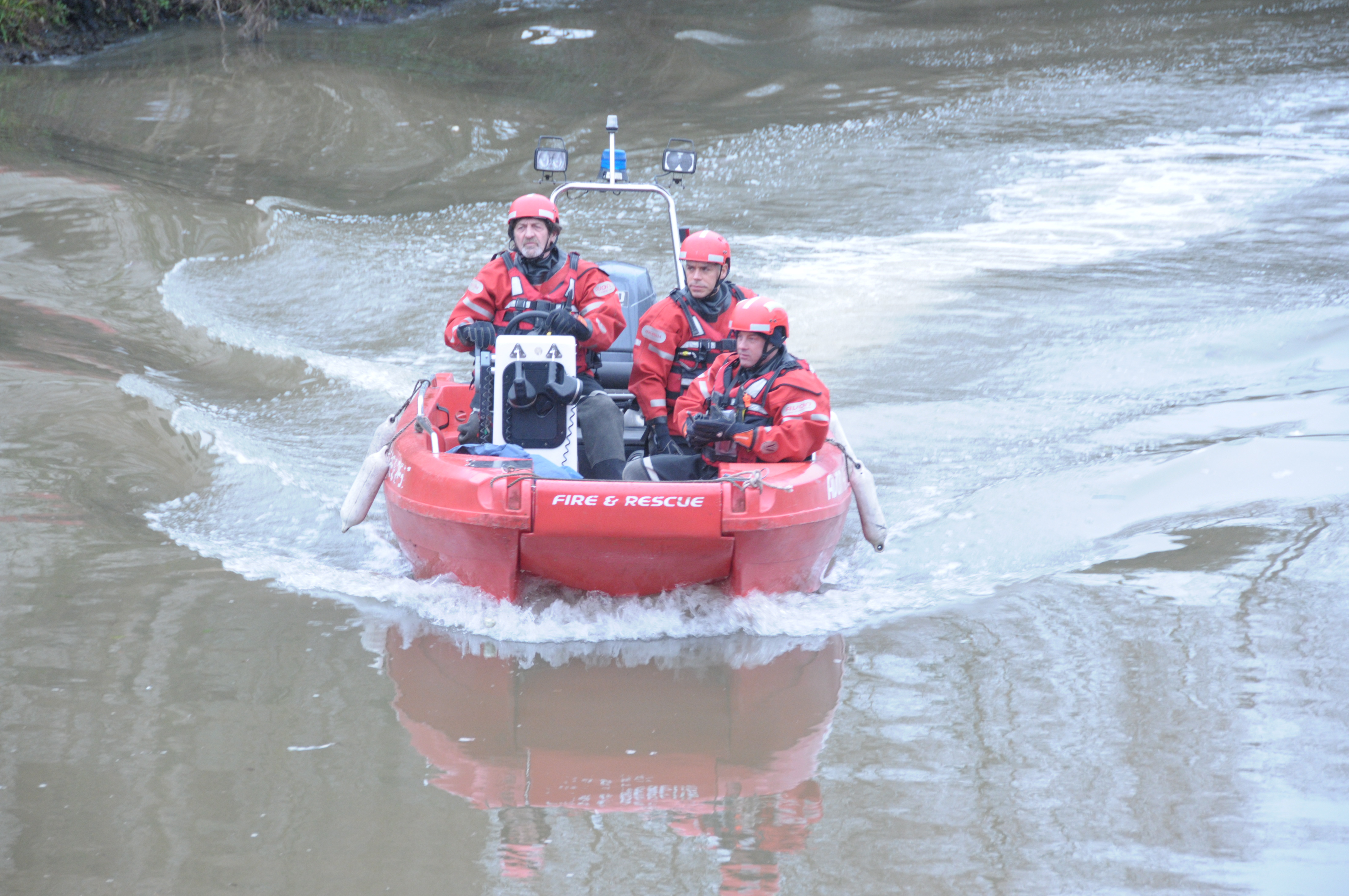 Avon Fire & Rescue Service supports national water safety campaign