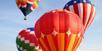 Image of hot air balloon which links to the Bristol area of the website